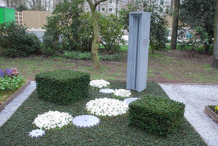 bepflanzung der grabfl che und stauden eine alternative. Black Bedroom Furniture Sets. Home Design Ideas